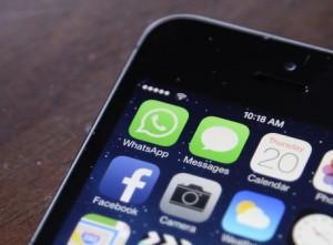 """Terrorismo, pm Milano contro WhatsApp: """"Non collabora"""""""
