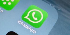 Scambia foto su Whatsapp, poi ricatta ragazzo -