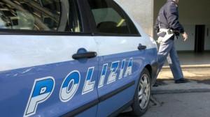 Roma, polizia gli impedisce di suicidarsi: romeno accoltella agente