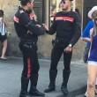 Carabinieri, la nuova divisa attillata fa impazzire i gay 01