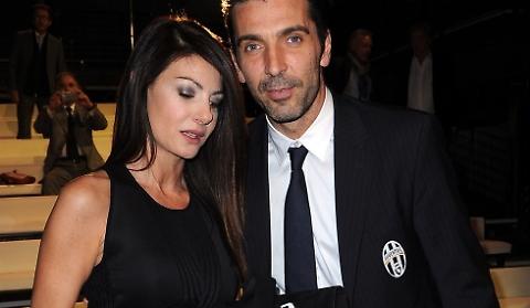Ilaria D'Amico, ecco la reazione durante intervista Buffon 03