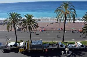 Nizza, il giorno dopo attentato: sul lungomare ancora i cadaveri