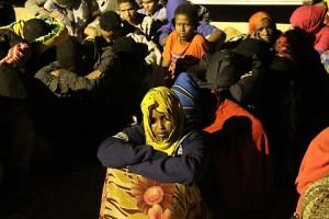 """Guarda la versione ingrandita di Milano, migranti """"sfrattano"""" anziane da ospizio"""