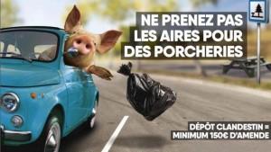 Maiale guida Fiat 500. La pubblicità belga che offende gli italiani