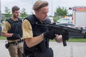 VIDEO YOUTUBE Monaco, polizia fa irruzione nel centro commerciale