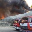 Pistoia, rogo in discarica: sindaco invita a tenere finestre chiuse 03