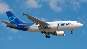 Glasgow, piloti aereo Air Transat ubriachi: arrestati
