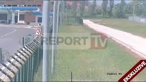 Guarda la versione ingrandita di YOUTUBE Albania, sulla pista dell'aeroporto con auto rubano 1 mln di euro