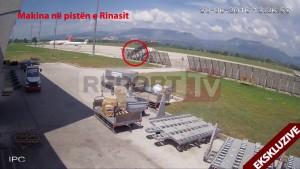 Albania, sulla pista dell'aeroporto con auto6