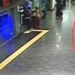 Attentato Istanbul, turisti fuggono da uomo armato