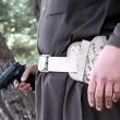 Bimbi afghani puntano pistola a prigionieri Isis8