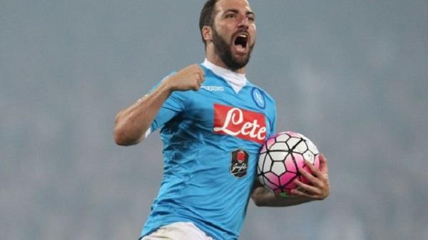Calciomercato Napoli, ultim'ora Higuain, offerta clamorosa