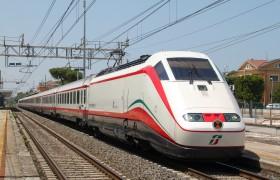 """""""Noi non paghiamo"""", marocchini gratis in prima classe su treno"""