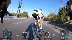 Guarda la versione ingrandita di YOUTUBE GoPro sul caschetto riprende caduta dei tre ciclisti