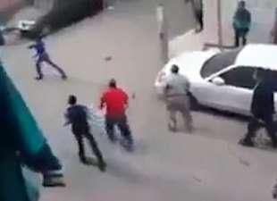 Il Cairo, vuole decapitare moglie: folla salva la donna6