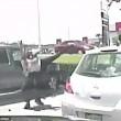 Insegnante afroamericana arrestata per eccesso di velocità: sbattuta a terra 2 volte3