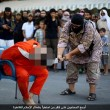 Isis, decapitato con la scimitarra per aver criticato l'islam55