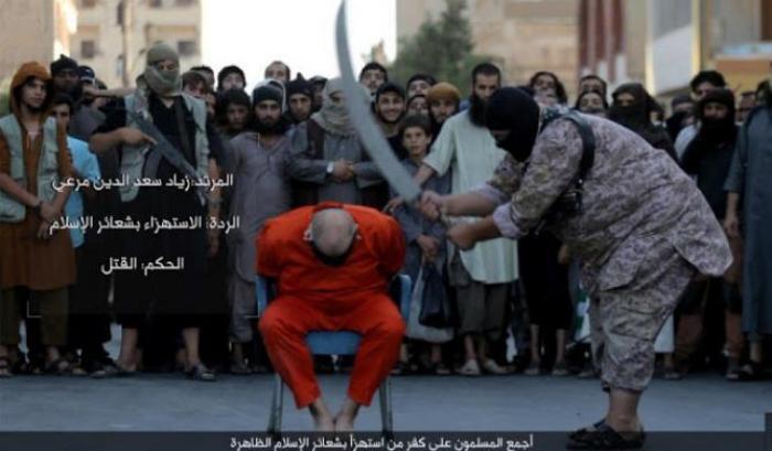 Isis, decapitato con la scimitarra per aver criticato l'islam3