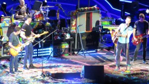 "YOUTUBE Michael J.Fox sul palco dei Coldplay suona ""Johnny Be Goode""9"
