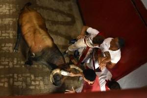 YOUTUBE Pamplona: prima corsa tori, 4 feriti 5555