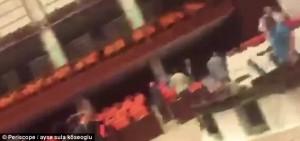 Parlamento turco colpito da granata durante golpe6