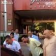 Ragazze russe si picchiano dentro al taxi4