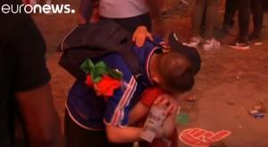 YOUTUBE Euro 2016, piccolo tifoso portoghese abbraccia francese in lacrime