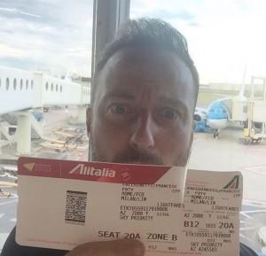 Francesco Facchinetti in aereo per Milano atterra ad Amsterdam
