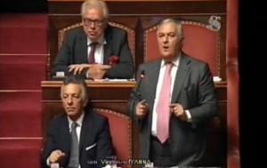 """YOUTUBE Vincenzo D'Anna su M5s: """"Vergini davanti ma dietro..."""""""