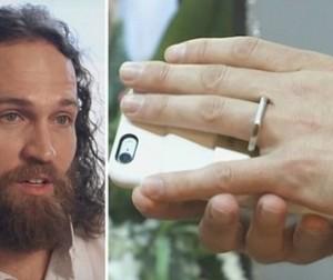 Guarda la versione ingrandita di YOUTUBE Sposa il suo iPhone a Las Vegas