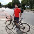 Trauma cranico per ciclista: colpito da auto che gira4
