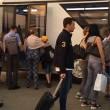 YOUTUBE Volo ritarda 7 ore: passeggera a bordo vuole divorziare 1
