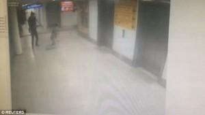 Istanbul, attentatore spara a poliziotto in borghese5