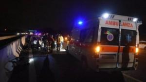Milano, incidente nella notte su A4: un morto e sette feriti