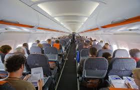 Viaggio in aereo, i consigli per evitare jetlag e altri disturbi