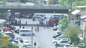 VIDEO Commando armato assalta stazione polizia: caos e morti in Armenia