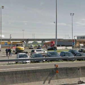 Guarda la versione ingrandita di Piacenza, camionista ucciso a coltellate in un'area di servizio sull'A1