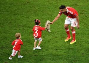 """Uefa, niente bambini in campo a Euro 2016: """"Non è una festa di famiglia"""""""