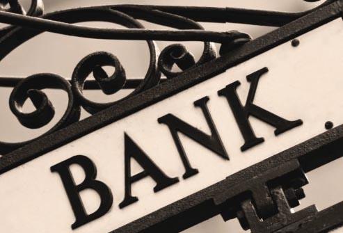 Акции Credit Suisse и UBS упали на фоне штрафа в $14 млрд для Deutsche Bank в США
