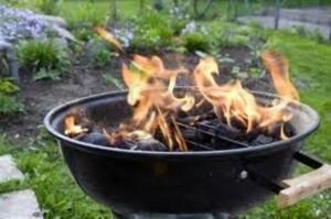 Barbecue, non usate l'alcol: allarme lanciato dai medici perché...
