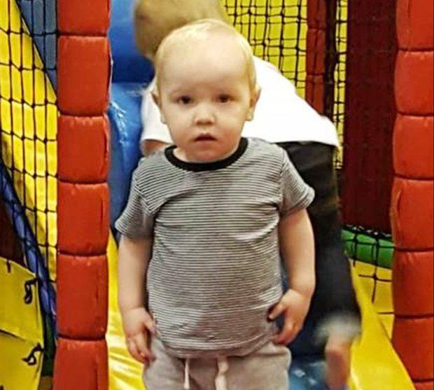 Bimbo di 1 anno colpito alla testa con pistola ad aria compressa 02
