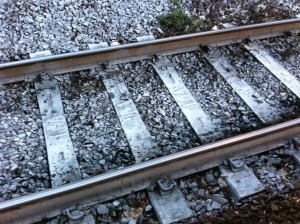 Fuscaldo, attraversa i binari: quindicenne risucchiata da aria e uccisa da treno