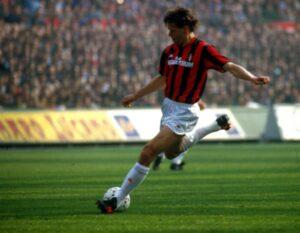 Guarda la versione ingrandita di Blitz Quotidiano. 100 gol di Van Basten con il Milan.