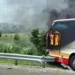 Taiwan, bus in fiamme su autostrada: 26 morti