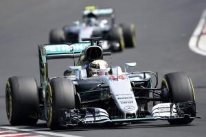 Guarda la versione ingrandita di F1 GP Ungheria: vince Hamilton seguito da Rosberg, quarto Vettel