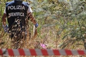 Guarda la versione ingrandita di Roma, cadavere donna trovato in un campo a Settecamini