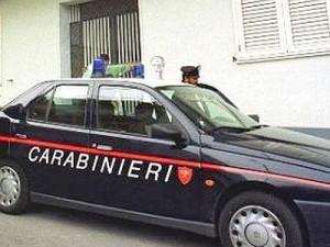 Napoli, la obbliga a rapporti con 11 amici: minacce a sito che dà la notizia