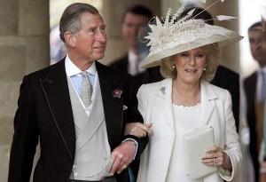 """Principe Carlo accompagna all'altare la """"quasi"""" figlia Alexandra"""