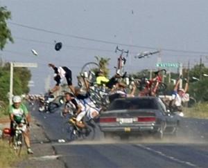 Lodi, investe comitiva di ciclisti e scappa: 15 feriti, preso