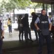 Germania, donna armata a Colonia: allarme al centro per l'impiego03